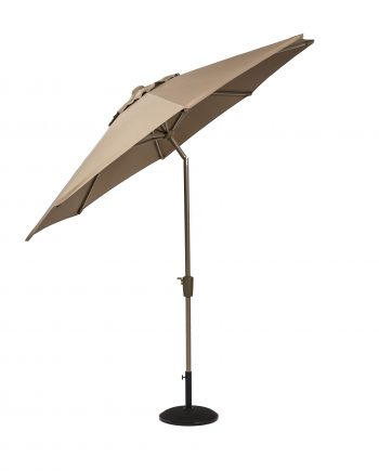 Norfolk Leisure Elizabeth Parasol 2.2 metre makes a stylish addition to your garden or patio, available in two colours Mouse Grey and Taupe, it features a lightweight aluminium frame with a anthracite powder coat finish, a crank handle with self adjusting locking function make easy work of raising and adjusting the canopy. Available at Highgate Furniture Southend on sea Essex, please phone 01702 414030.