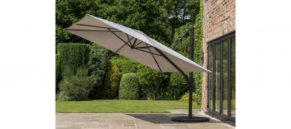 Highgate Furniture has this stunning 3 metre Norfolk Deluxe square cantilever parasol in mouse grey available to view in our showroom also available in Taupe. Our showroom is iin Southend on sea Essex, please call us on 01702 904000 if you have any questions.