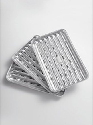 Landmann Aluminium cooking trays 0249 available from Highgate furniture. Three foil trays with ventilation slots, perfect for parties, festivals & days out.Keeps the food flavoursome and keeps the BBQ clean. Available from Highgate Furniture, please visit our large showroom in southend on sea Essex, or please call the Highgate team on 01702 414030.