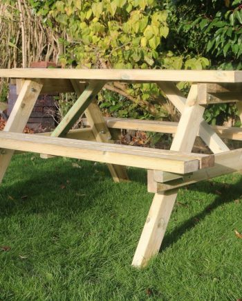 Highgate 1.8m wooden Picnic Table Southend On Sea Essex