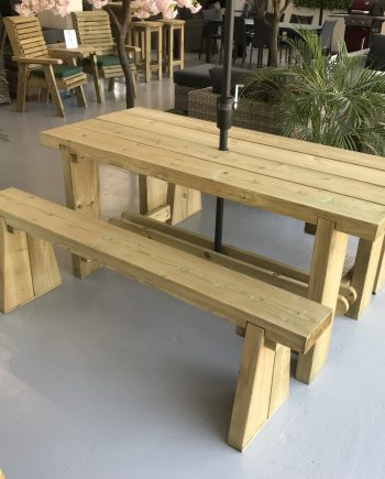 Highgate Indy Wooden Bench set Essex