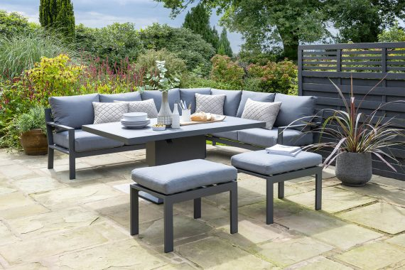 The Norfolk Leisure Titchwell Corner Sofa Set would provide a great place to relax and unwind in your garden